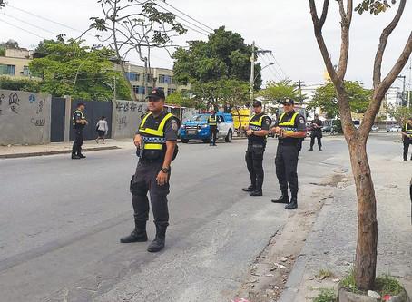 Alunos da 5ª Cia do Curso de Formação de Soldados do CFAP prendem em Sulacap