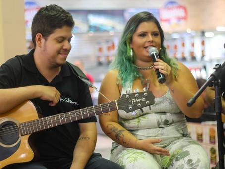 Shopping de Jacarepaguá recebe show especial com a cantora Rafa Gutierrez