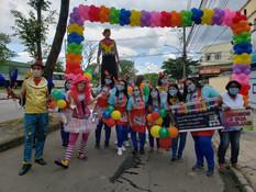 Drive-in escolar em Sulacap comemora Dia das Crianças