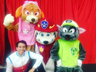"""Shopping de Guadalupe anima criançada com a peça """"Patrulha de Cães"""""""