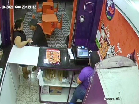 [VÍDEO] Bandido assalta sorveteria em Realengo, roubando celulares e dinheiro das vendas