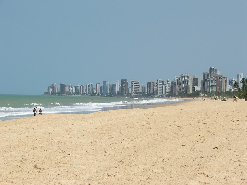 Cliclovia e calçada da Praia de Piedade: boa conservação e sinalização
