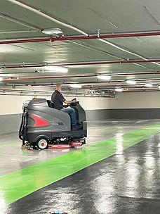 champs Elysées nettoyage parking sous sol avec une autolaveuse Gaomei.jpg