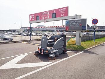 nettoyage  Balayage parking aéroport Balayeuse Gaomei fr.jpg