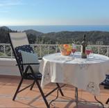 balcony & sea views