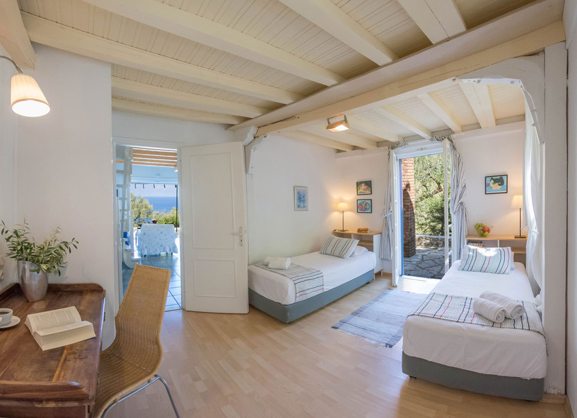 bedroom 2 - villa Thalia