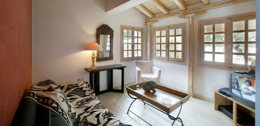 tv room - villa Anthea Rossa
