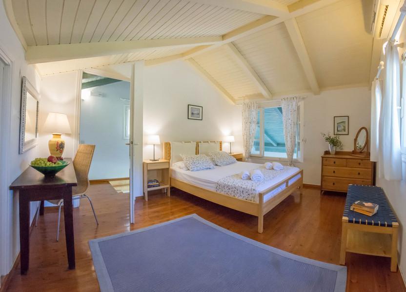 master bedroom - villa Thalia