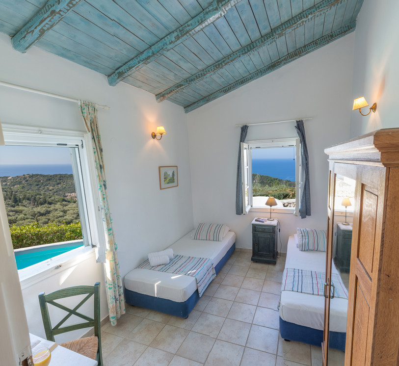 bedroom 2 - villa Myrtia