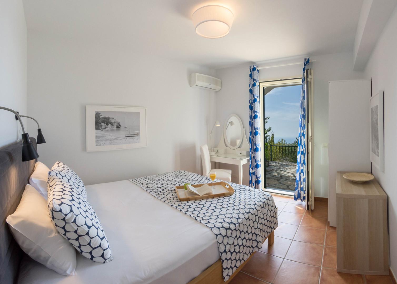 master bedroom - villa Isola Bella