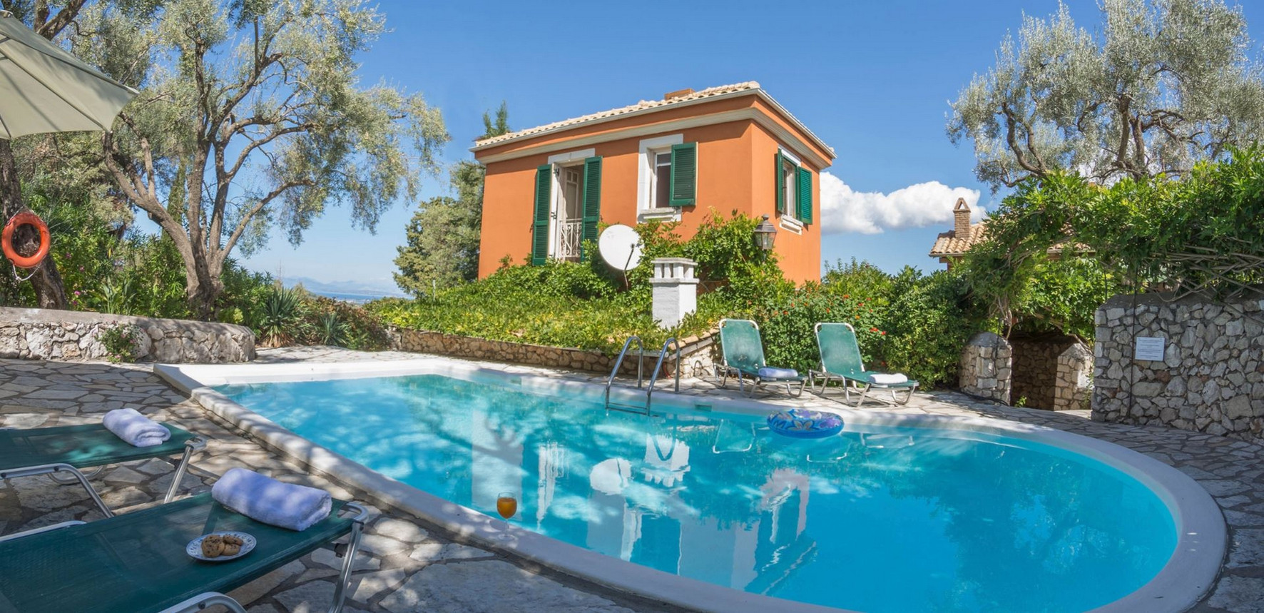 villa Pergola with private pool