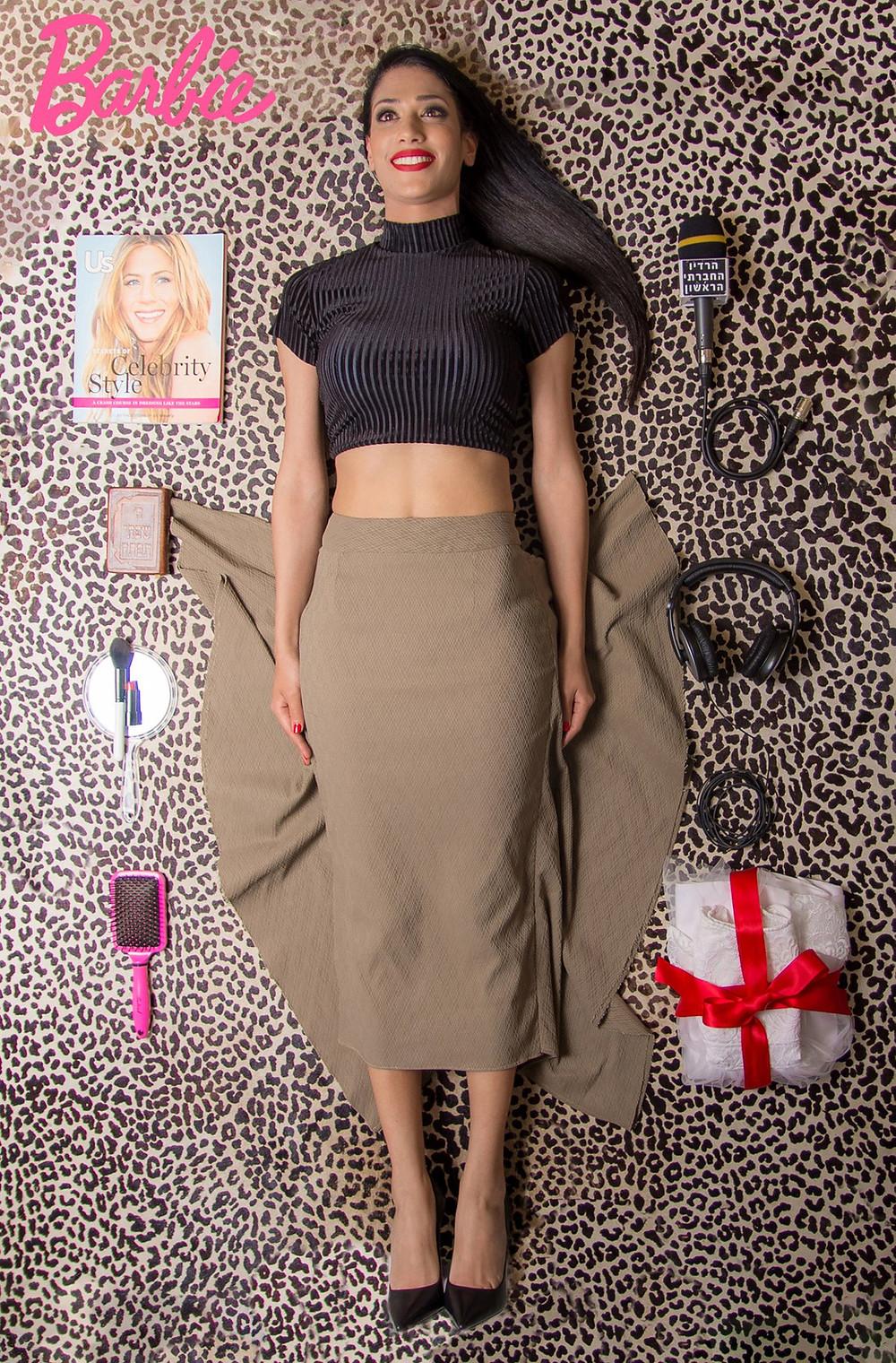 חצאית: זאודיטו קאסה, חולצה: אן ברקוביץ', נעליים: רשת אלדו. צילום: מיטל אזולאי