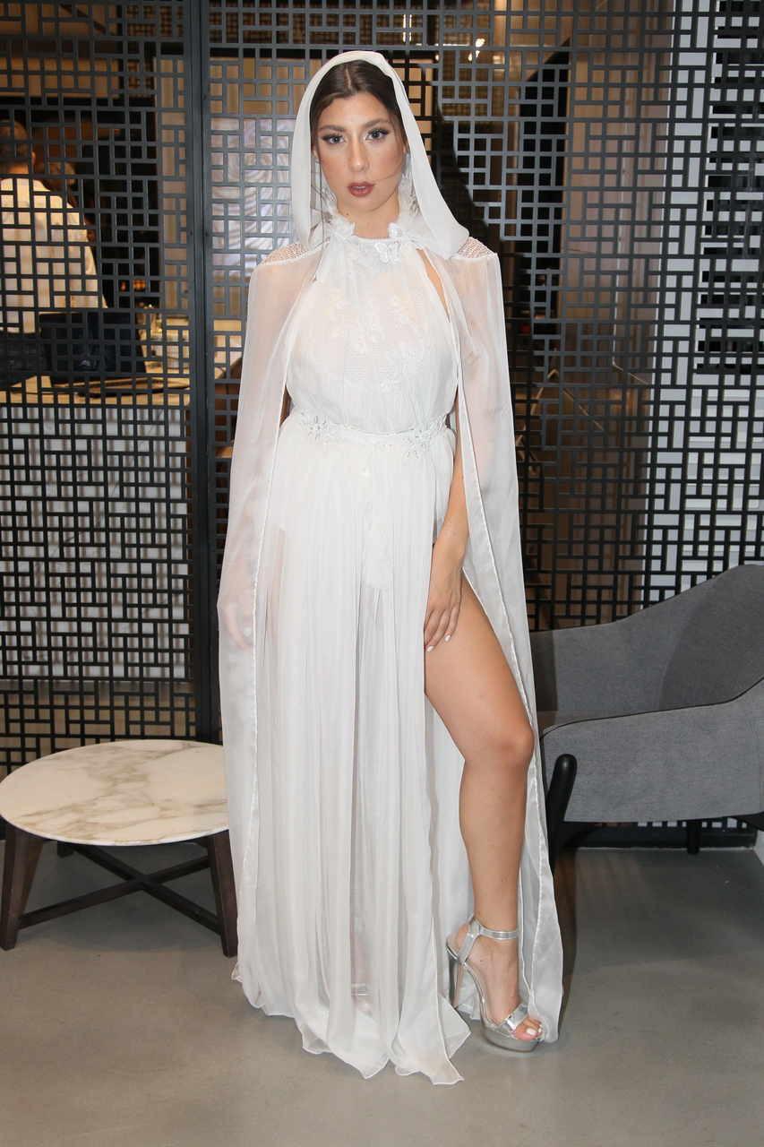 שמלת כלה בעיצובו של ירדן מרציאנו - זוכה במקום הראשון. צילום: ראובן שניידר