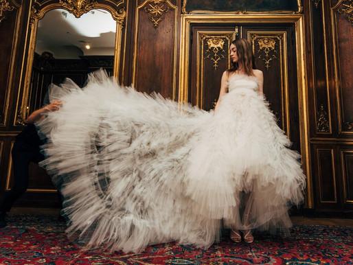 חגיגה לבנה: שמלות כלה שיעשו את עונת החתונות