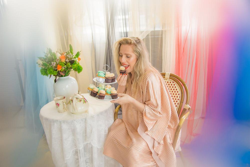 שמלה: מור פדידה, אושרית אלון. צילום: מיטל אזולאי