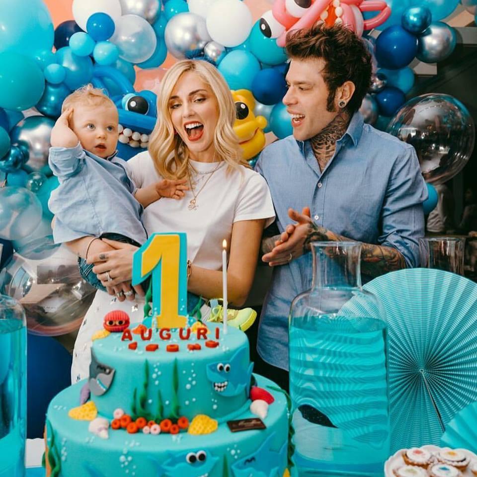 קיארה פראני ובעלה פדז במסיבת יום הולדת שנה לבנם ליאו