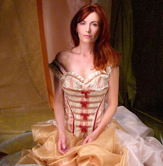 Aeone-corset_edited_edited.jpg