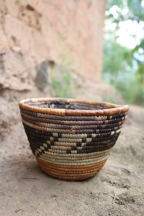 Natural bowl with black half-Z pattern