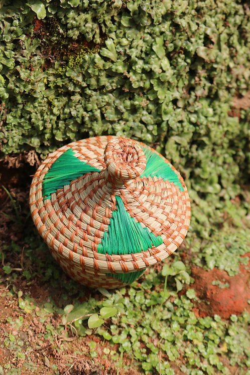 S lidded basket with green accents