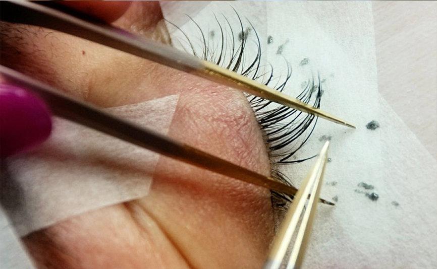 Classic Eyelash Extension Training (Aug)