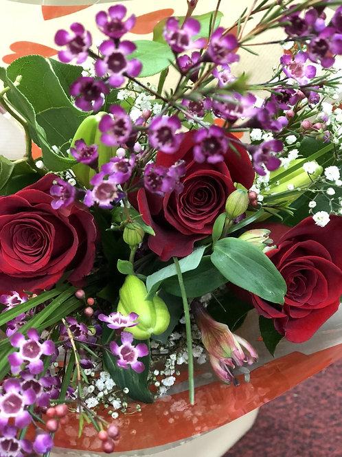 Deluxe Three Roses