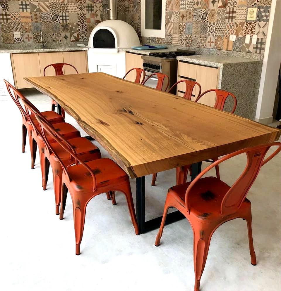 Inspire se com as mesas de jantar de madeira da ArboREAL para o estilo de decoração retrô.