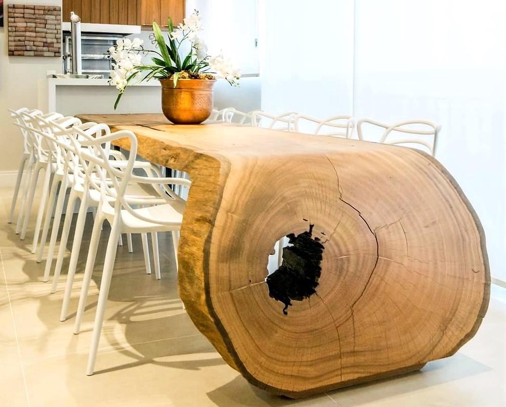 Contraste entre diversos tipos de decoração com aplicação dos móveis de madeira da ArboREAL.