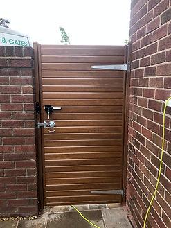 gate-02.jpg