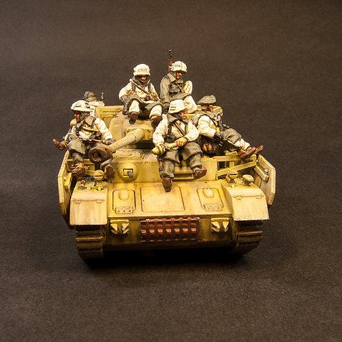 "EGWI929: German Winter ""Tank Riders"" (8 figures)"
