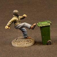 28mm Painted Rioting Mob Figure With Wheelie Bin