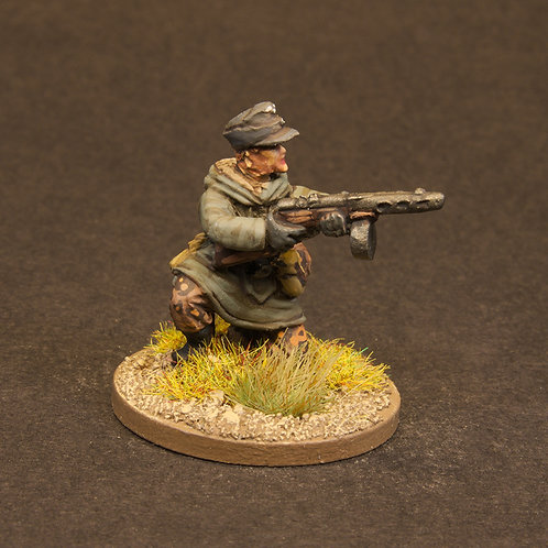 EGWI925: Germans Winter - Squad 4 with PPSh-41 (4 figures)