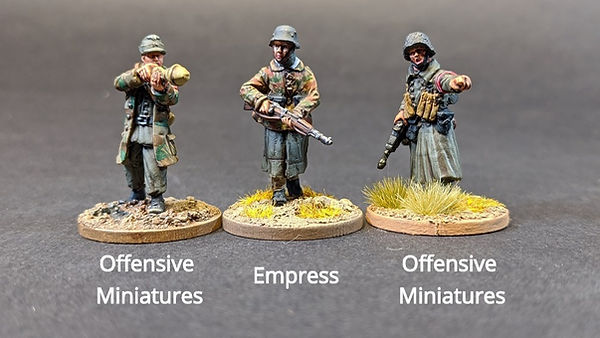 Size Comparion of Offensive miniatures & empress miniature figures