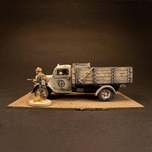EGDK302: Opel Blitz Truck - Stowage & Driver (1 figure)