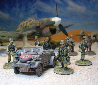 EGDK301: German Afrika Korps - Kubelwagen & Crew (3 figures)
