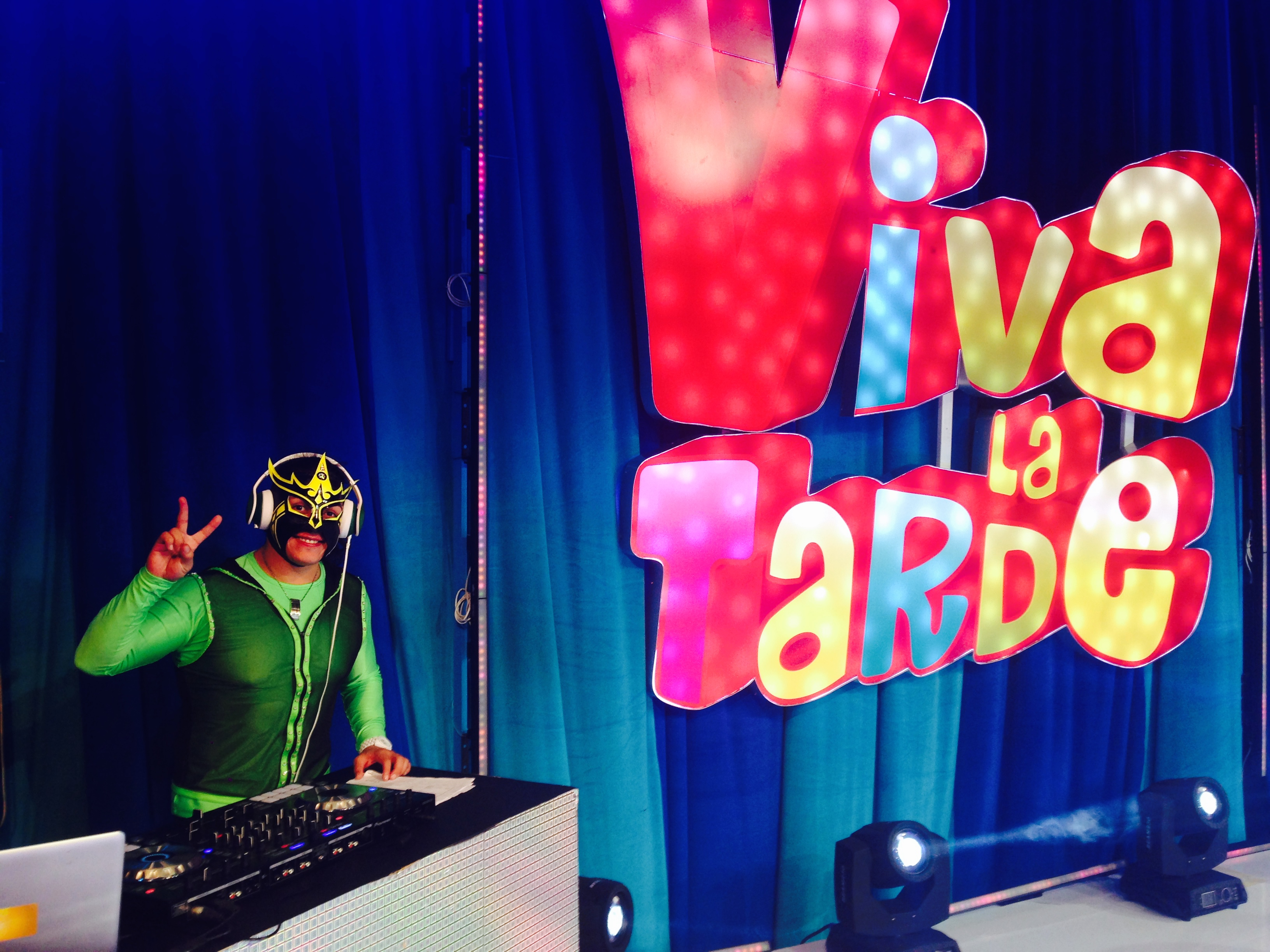 DJ COMO INVITADOS ESPECIALES EN TV SHOWS 3