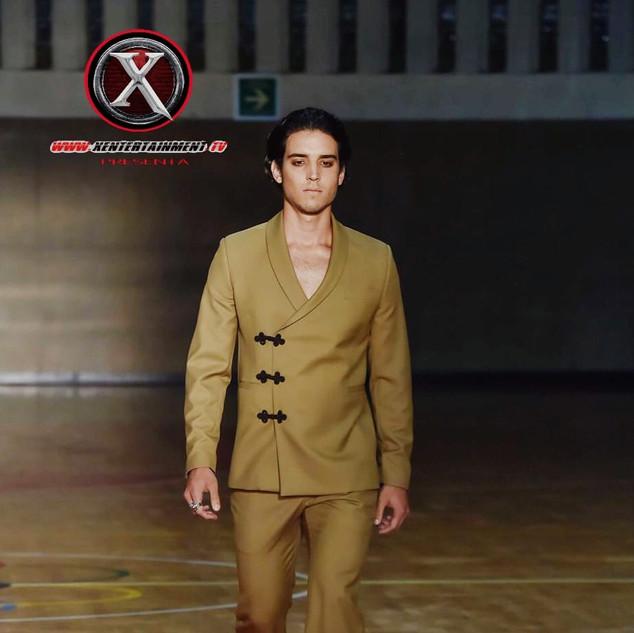 Nombre : BRUNO Estatura : 1.85m Nacionalidad : Italiano Pantalon : 32 Camisa : S Calzado : 8 Edad : 23años