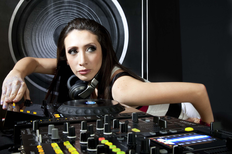 DJ SINTONIKA