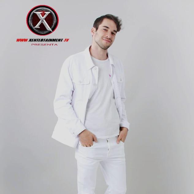 Nombre : HAMZAH Estatura : 1.82m Nacionalidad : Español Pantalon : 31 Camisa :s Calzado :28 Edad : 25 años
