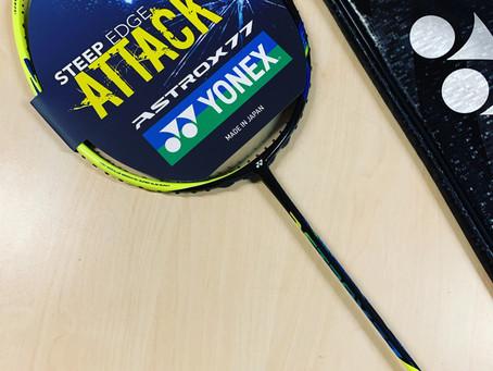 Vind en Yonex Astrox 77 Badmintonketcher