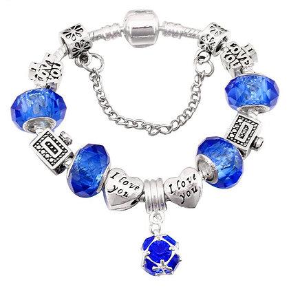 Trendy armband met blauwe beads
