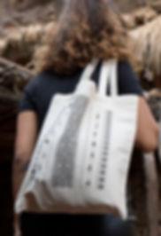 Zayane, zayane design, tshirt, tote bag, sac, berbère, amazigh, tshirt berbère, tote bag berbère, street style, chic, boho, tshirt pour femme, tshirt pour homme, chorouk babahmed, vetement berbère, culture berbère