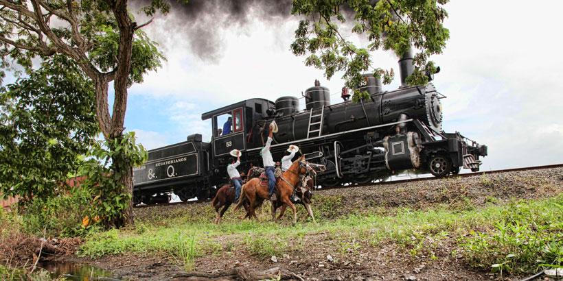 エクアドル 列車