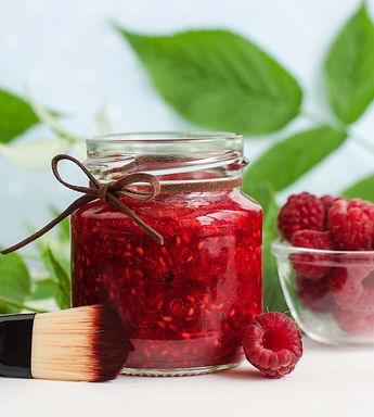Homemade%20raspberry%20facial%20mask%20(