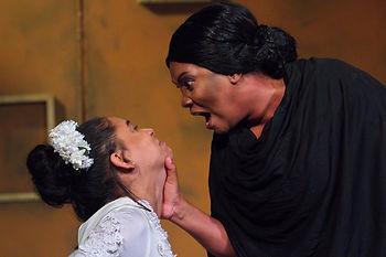 Paloma Palacios e Isabel Spencer, teatro.