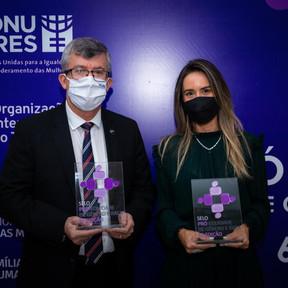 Membros da RGB  recebem o Selo da 6ª edição do Programa Pró-Equidade de Gênero e Raça