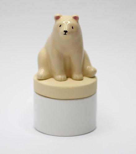 剛冬眠完的熊精油揮發器