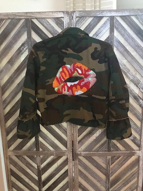 Short Camo Lip Patchwork Jacket