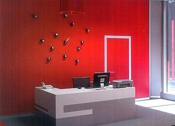 recepcion oficina rojo editado.jpg