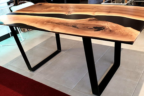 Black Fly Table mit Epoxid