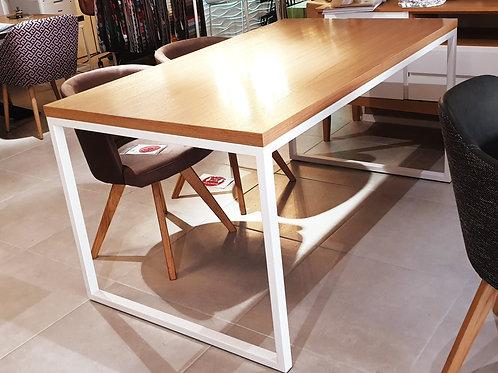 Simply elegance Oak Table